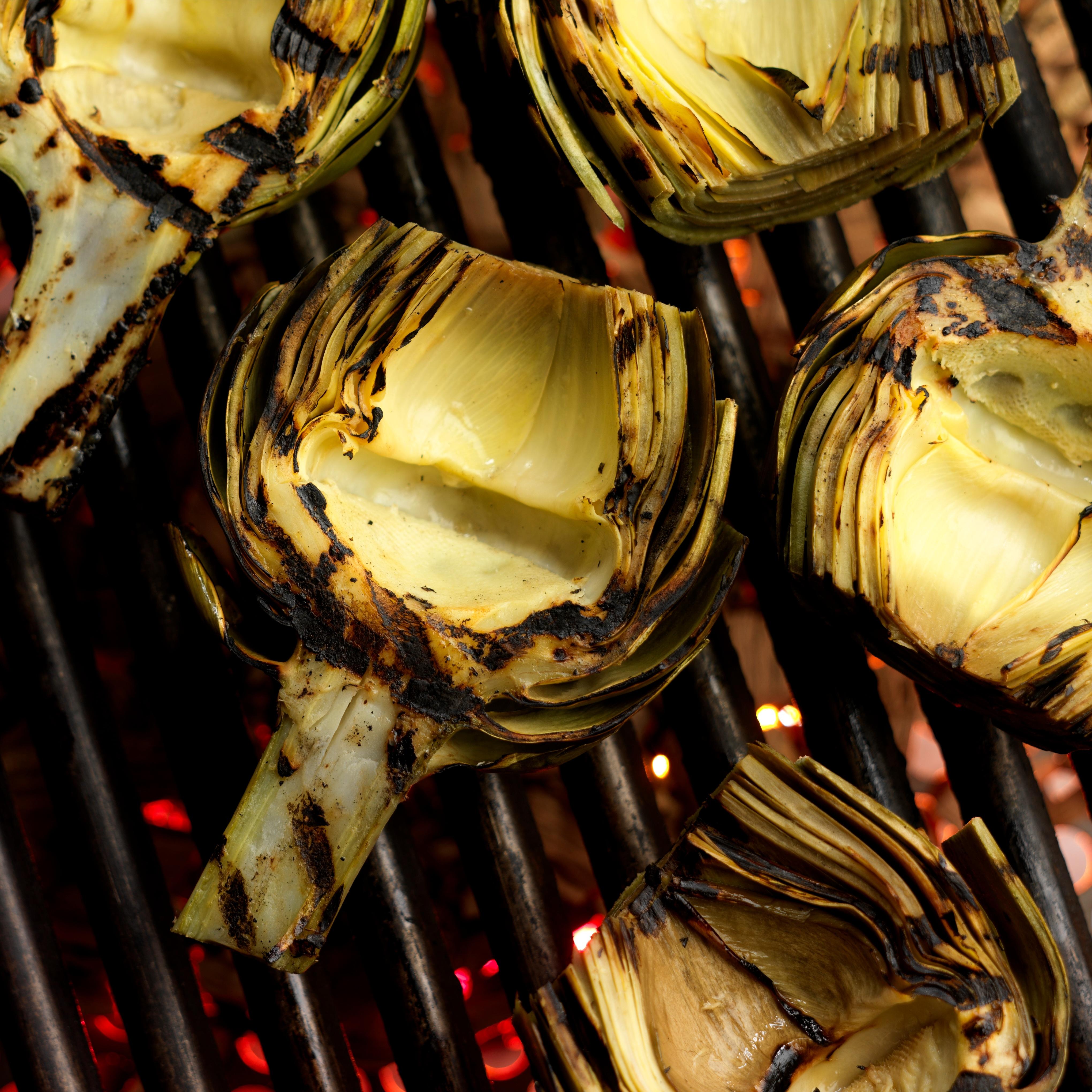 Easy-Grilled-Artichoke