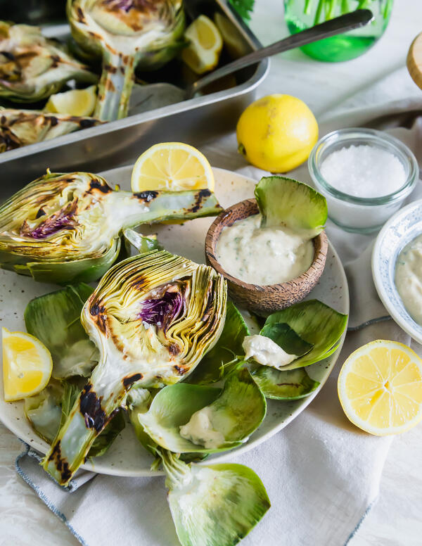 Grilled_Artichokes_HR-5https://www.oceanmist.com/recipes/grilled-artichokes-with-lemon-herb-tahini-dipping-sauce