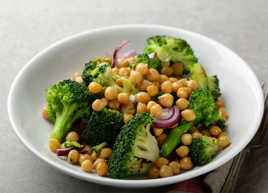 broccoli-chickpea-salad